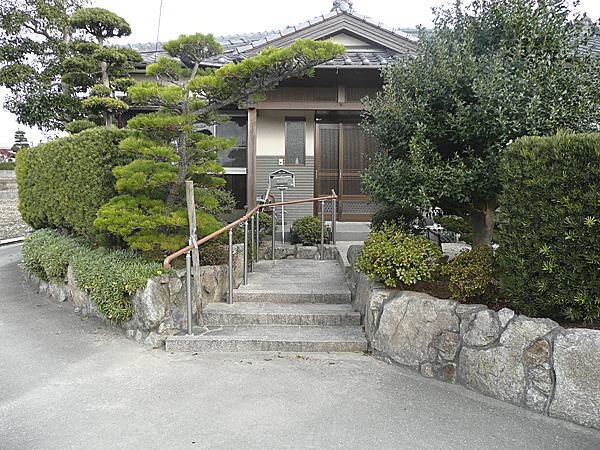 日本家屋のアプローチ