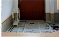 玄関新聞紙