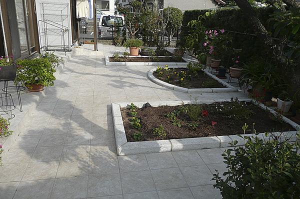 形の違う花壇