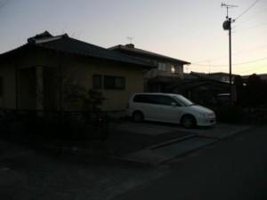 夕暮れのガレージ